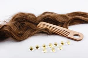 Jak wzmocnić włosy cienkie i łamliwe | RosaMed Clinic