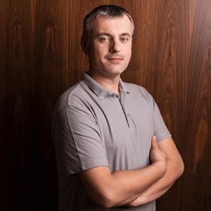 Piotr-Banasiak-300x300